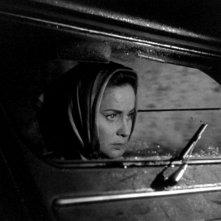 Alida Valli in una scena del film Occhi senza volto