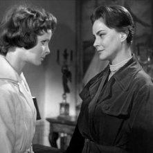 Edith Scob e Alida Valli in una sequenza del film Occhi senza volto (1960)