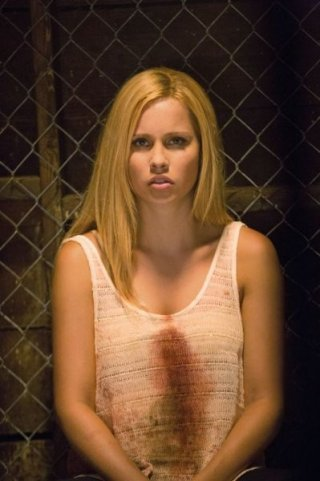 The Vampire Diaries: Claire Holt nell'episodio Growing Pains