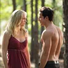 The Vampire Diaries: Michael Trevino e Candice Accola in una scena dell'episodio Growing Pains
