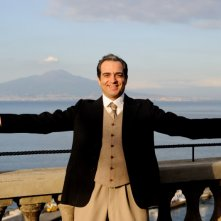 Caruso, la voce dell'amore: Gianluca Terranova in una foto promozionale della fiction