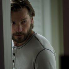 Mama: Nikolaj Coster-Waldau in una scena del film