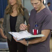 The Mob Doctor: Jordana Spiro e Zach Gilford nell'episodio Family Secrets