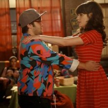 New Girl: Charlie Saxton e Zooey Deschanel nell'episodio Neighbors
