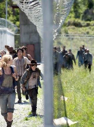The Walking Dead: una scena dell'episodio Seed, premiere stagione 3