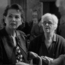 Chus Lampreave e Claudia Cardinale in El artista y la modelo
