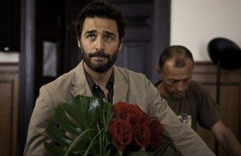 un primo piano di Daniele Pecci in Sposami, fiction di RaiUno