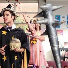 Darren Criss in una scena dell'episodio Makeover della terza stagione di Glee