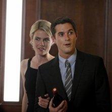 Dave Annable e Rachel Taylor nell'episodio Murmurations della prima stagione di 666 Park Avenue