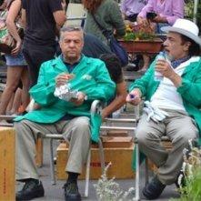 Renato Pozzetto e Nino Frassica in una scena della fiction Casa e bottega