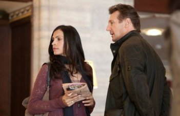 Famke Janssen e Liam Neeson in Taken 2