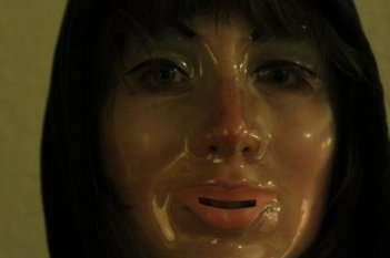VHS - una immagine inquietante del film horror