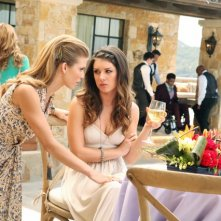 90210: AnnaLynne McCord e Shenae Grimes nell'episodio The Sea Change