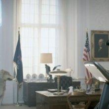 Iron Sky: Stephanie Paul in una bizzarra scena tratta dal film
