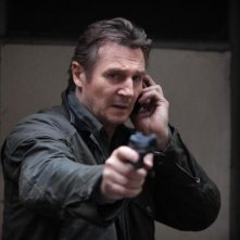 Liam Neeson in una scena di Taken: la vendetta