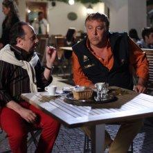 E io non pago: Maurizio Casagrande insieme a Maurizio Mattioli in una scena