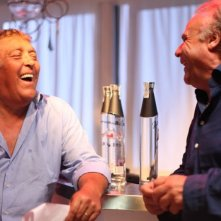 E io non pago: Maurizio Mattioli e Jerry Calà sorridono in una scena del film