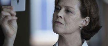 Red Lights: Sigourney Weaver in un bel primo piano tratto dal film