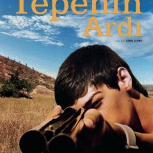 Beyond the Hill: il poster originale del film diretto da Emin Alper