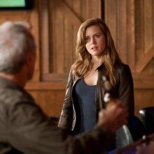 Clint Eastwood (di spalle) ed Amy Adams in una scena di Di nuovo in gioco