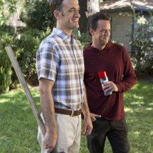 Go On: Seth Morris e Matthew Perry in una scena dell'episodio Big League Chew