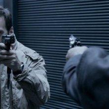 Il cecchino: Mathieu Kassovitz in azione in una scena del film
