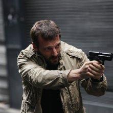 Il cecchino: Mathieu Kassovitz in una scena del film di Michele Placido