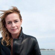 J'enrage de son absence: la regista del film Sandrine Bonnaire in una foto promozionale
