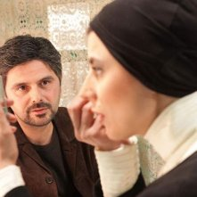 The last step: Leila Hatami con il regista e interprete del film Ali Mosaffa in una scena