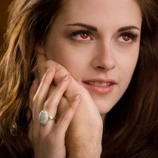 Twilight Saga: Breaking Dawn - Parte 2, un bel primo piano di Kristen Stewart tratto dal film