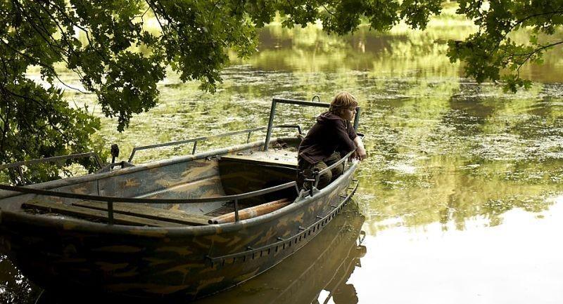 Un Estate Da Giganti Zacharie Chasseriaud In Barca In Una Scena Del Film 253967
