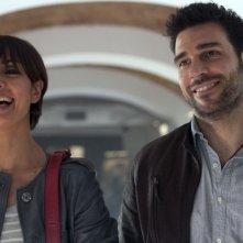 Viva l'Italia: Ambra Angiolini ed Edoardo Leo sorridenti in una scena del film