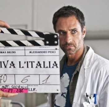 Viva l'Italia: Raoul Bova sul set del film