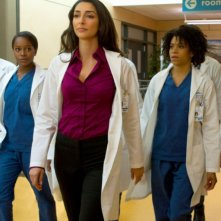 Emily Owens, M.D.: Aja Naomi KIng, Necar Azadegan e Kelly McCreary nel pilot della serie