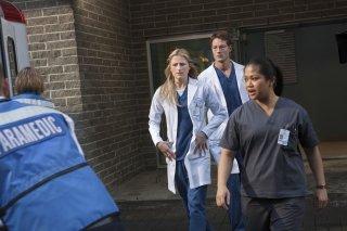 Emily Owens, M.D.: Mamie Gummer e Justin Hartley nel pilot della serie