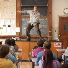 Kevin James è un professore di scienze in Colpi da maestro, commedia del 2012