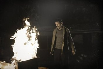Sinister: Ethan Hawke è uno scrittore impegnato in una indagine misteriosa