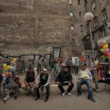 The Parade: una scena del film che ritrae il primo gay pride nel centro di Belgrado