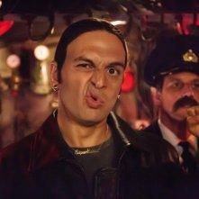 Agent Ranjid rettet die Welt: Kaya Yanar in una scena
