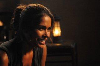 Revolution: Daniella Alonso nell'episodio No Quarter