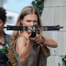 Revolution: Tracy Spiridakos e Daniella Alonso nell'episodio No Quarter