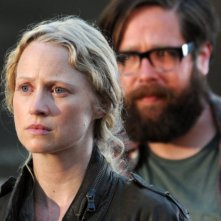 Revolution: Zak Orth ed Anna Lise Phillips nell'episodio The Plague Dogs