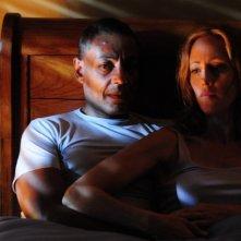 Revoution: Giancarlo Esposito e Kim Raver nell'episodio Soul Train