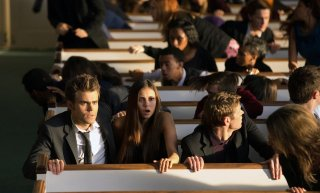 The Vampire Diaries: Paul Wesley, Nina Dobrev e Zach Roerig nell'episodio Memorial