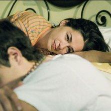 Diane Fleri e Michele Cesari in una scena di Quell'estate