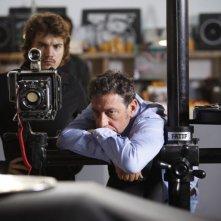 Venuto al Mondo: il regista del film Sergio Castellitto sul set con Emile Hirsch