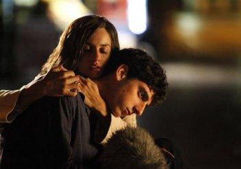 Venuto al mondo: Pietro Castellitto in una scena del film con Penelope Cruz