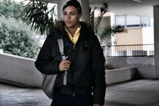 Alì ha gli occhi azzurri: il protagonista del film Nader Sarhan in una scena