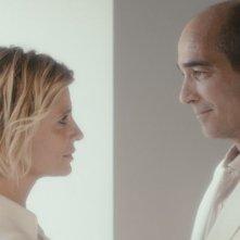 E la chiamano estate: Jean- Marc Barr in una candida immagine con Isabella Ferrari