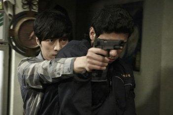 So Ji-Sub nell'action thriller Hoi sa won del 2012